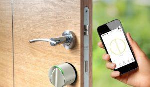 Khóa cửa bằng smartphone | Đơn vị lắp đặt khóa cửa điều khiển từ xa