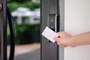 Khóa cửa thẻ từ Hà Nội | Smarttech - Đơn vị cung cấp khóa thẻ từ uy tín